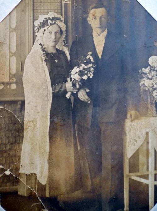 Kiedy odbył się ślub? w jakich latach? #CzarnaSuknia #Ślub