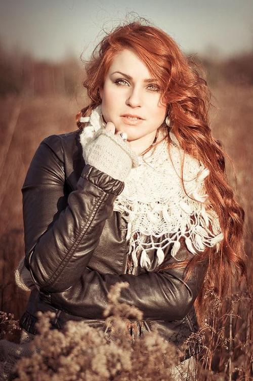 Karolina #kobieta #dziewczyna #portret #nikon #passiv #airking #łąka #zima