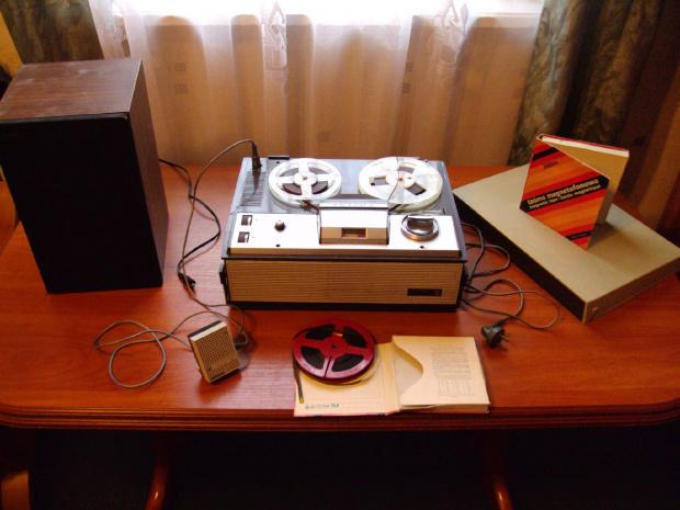 Magnetofon szpulowy Unitra ZK 120T, Taśmy magnetofonowe Stilon, Kolumna Unitra Tonsil ZG 15-C/2, Mikrofon Tonsil MDU VII 686