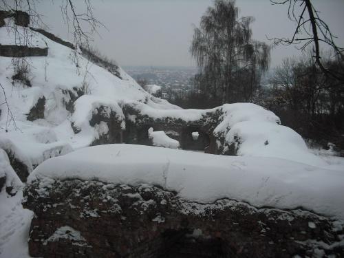 Ruiny zamku na górze św.Marcina w Tarnowie. #ruiny #zamek #zima