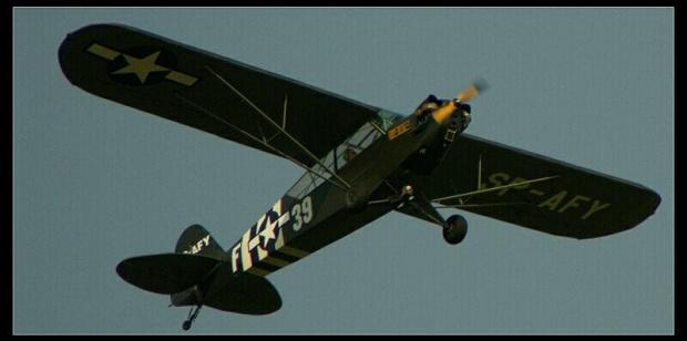 Samolot amerykański używany w LWP, do czasu ujednolicenia sprzętu wojskowego używanego w siłach powietrznych krajów komunistycznych. #Radom #Sadków #KrajeKomunistyczne #demobil #USA #SamolotWojskowy #górnopłat