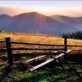 Czarnohora o zmierzchu - huculski płot #góry #jesien #Czarnohora #płoty #natura #KrajobrazyIPrzyroda #miejsca